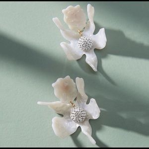 NWT Anthro lele Sadoughi crystal lily earrings